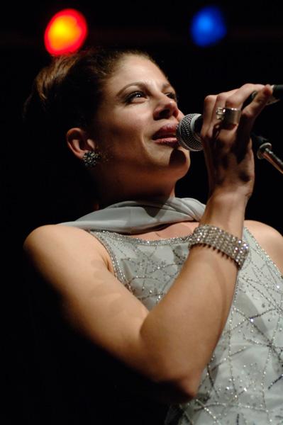 Solo-Saengerin Brigitte Wullmann live