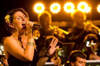Petra Wydler mit der Swiss Band
